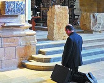 """El obispo de San Sebastián, José Ignacio Munilla, denuncia a quienes ahora apoyan a los presos """"sin condenar los atentados que se han cometido"""" y evadiéndose de """"la autocrítica que tienen pendiente"""""""