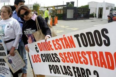 """ENTREVISTA CON INMA CASTILLA DE CORTÁZAR: """"ETA se sale con la suya y contribuye con todos los demás -socialistas, IU, los asaltantes de supermercados, nacionalistas en su conjunto- a hacer una España en rebelión, ingobernable desde la sensatez"""""""