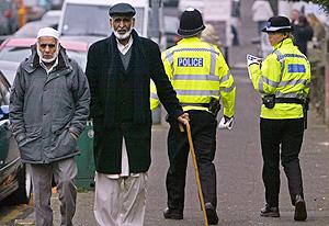 Londres: la policía investiga una red yihadista mientras los musulmanes multiplican su población